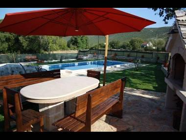 H(6+2): terrace (house and surroundings) - 35467 H(6+2) - Bristivica - Gornji Seget - rentals