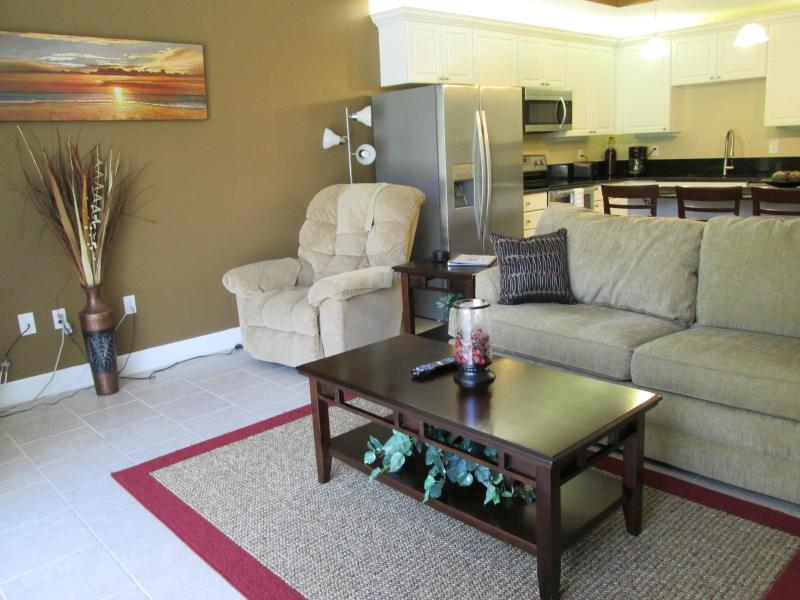 View of the Living Room & Kitchen - Exclusive Luxury Townhome - Close to Attractions! - Kissimmee - rentals