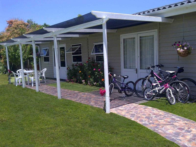Outside cottage - Island Cottage self-catering in Sedgefield - Sedgefield - rentals