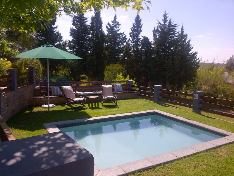 splash pool to relax and unwind - A Hilltop Country Retreat self-catering Swellendam - Swellendam - rentals
