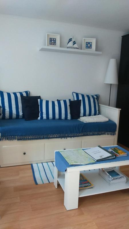 Day bed - Palma, One Bedroom Garden Apartment - Zagreb - rentals