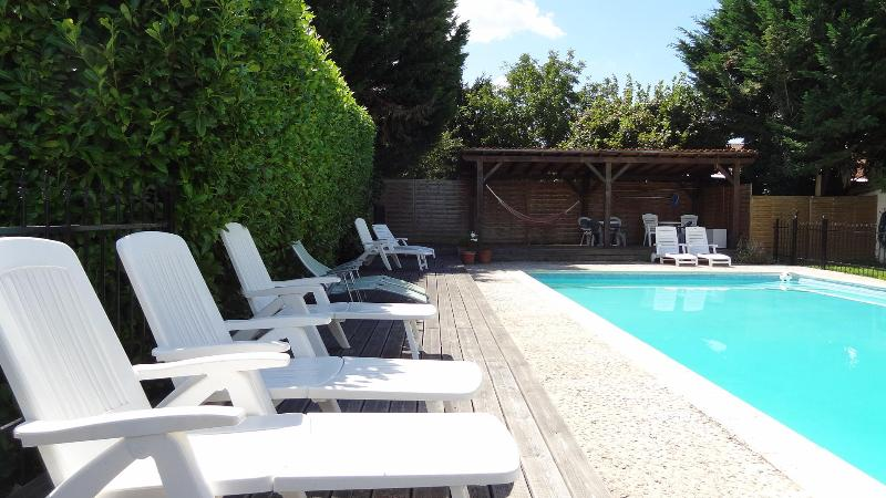 La Porcherie holiday gite for couples and families - Image 1 - Allemans - rentals