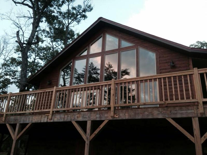Window view wall - Bearadise Cabin in Franklin, NC  Sleeps 2 - Franklin - rentals