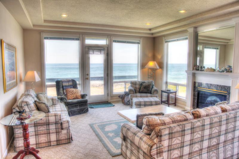Oceanfront Home with Hot Tub! - Image 1 - Yachats - rentals