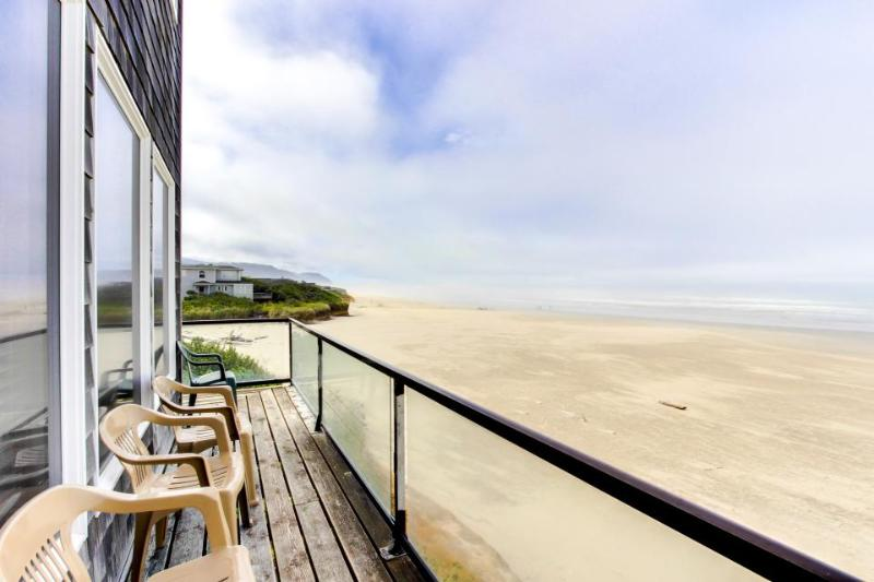 Dog-friendly oceanfront cottage w/ hot tub & views! Walk out your door to beach! - Image 1 - Yachats - rentals