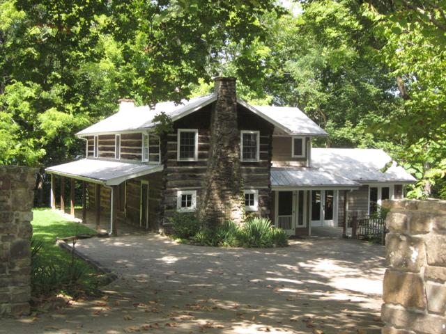 Pot Point Cabin, On the TN River, 12 miles to Chat - Image 1 - Chattanooga - rentals