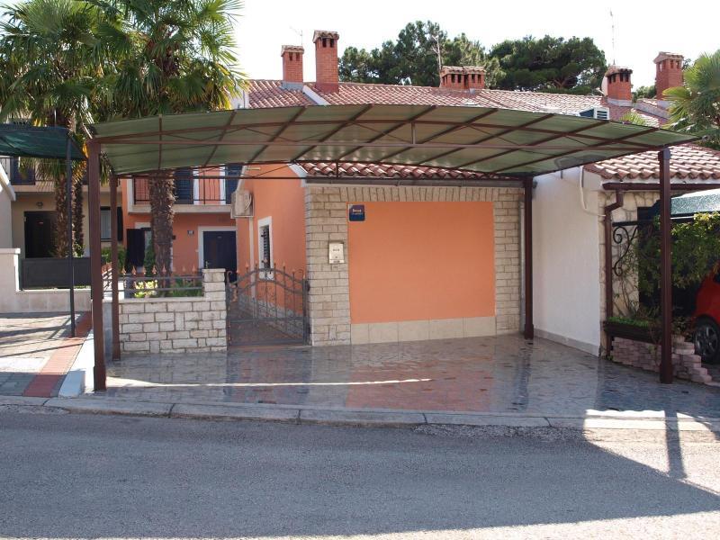 House Marija-Edo Stifanic - Image 1 - Porec - rentals