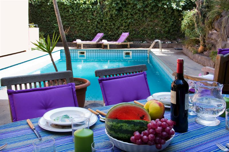 Meal by the pool - VILLA DON CALIDDU, pool and super kitchen ! - Viagrande - rentals