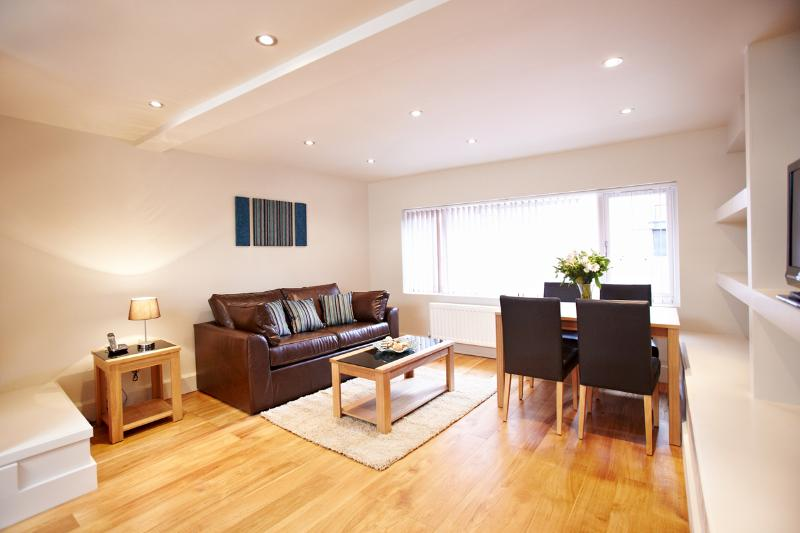 The West End 1 Bedroom Apartment - Image 1 - London - rentals