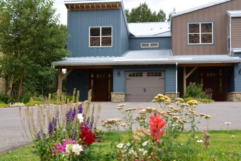 Grizzly Den - Image 1 - Red Lodge - rentals