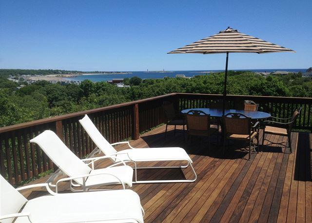 High Rock Cottage: Astounding views from every angle! - Image 1 - Gloucester - rentals