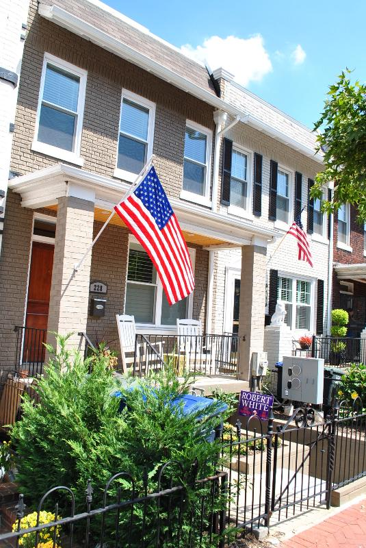 THE location in DC ~ WALK to Capitol! - Image 1 - Washington DC - rentals