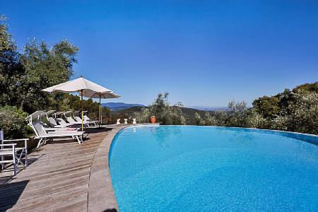 Spacious Castello Dei Canonici- expansive, striking view, secluded infinty pool - Image 1 - Lucca - rentals