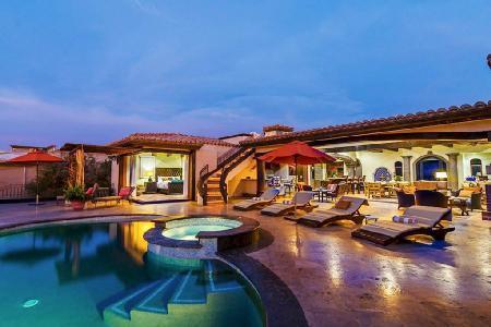 Casa Mar y Estrella with sublime ocean views, rooftop terrace, zen pool & amenities - Image 1 - San Jose Del Cabo - rentals