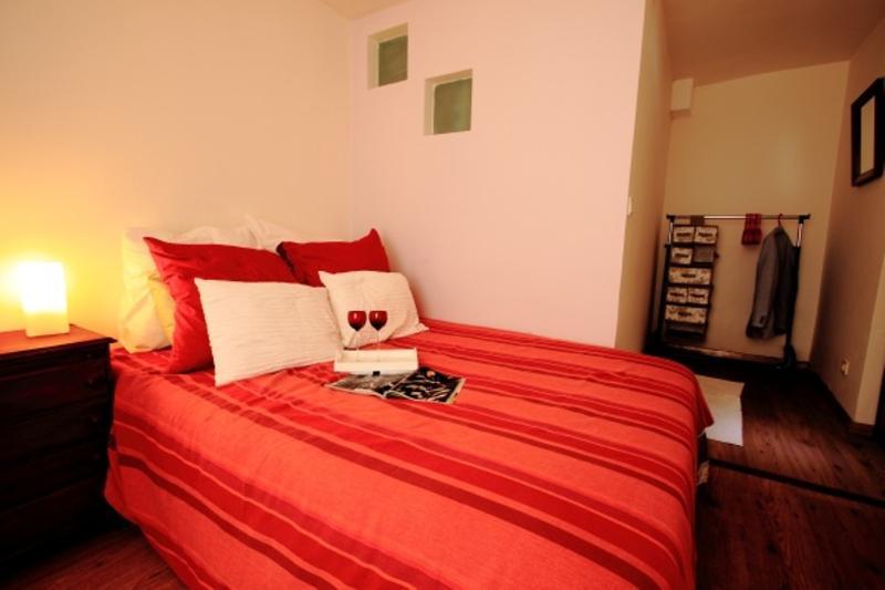 Bairro Alto I Apartment | RentExperience - Image 1 - Lisbon - rentals