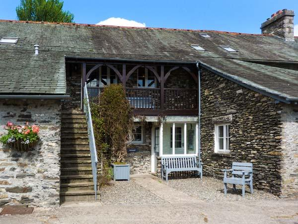 HOLME WELL, pet-friendly cottage with WiFI, woodburner, shared swimming pool, in Graythwaite, Ref. 914063 - Image 1 - Hawkshead - rentals