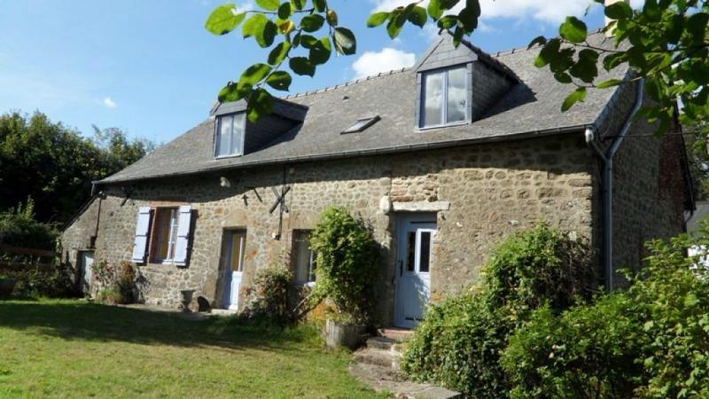 4 Bedroom Gite near Bais in Mayenne, France - Image 1 - Champgenéteux - rentals