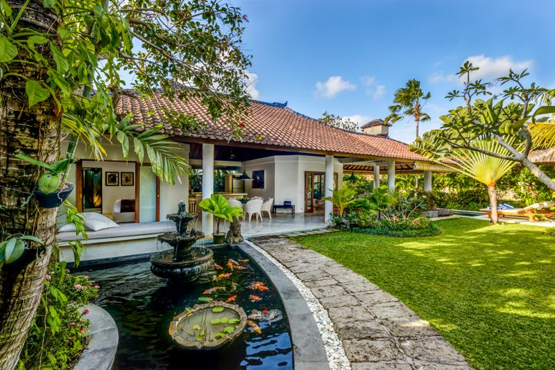 garden view - Vitari Villa - Great 3 bedroom Villa in Oberoi - S - Seminyak - rentals