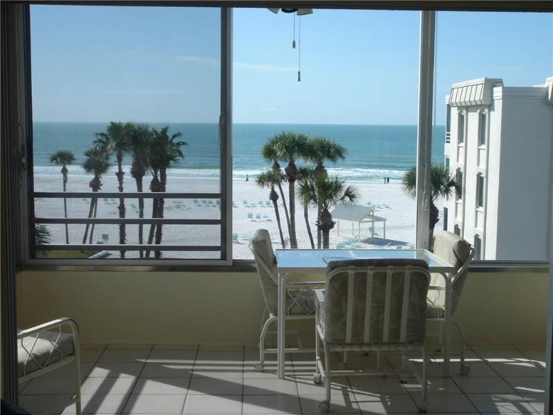 Rest amongst the palm trees ON white beaches - 15 North - Image 1 - Siesta Key - rentals