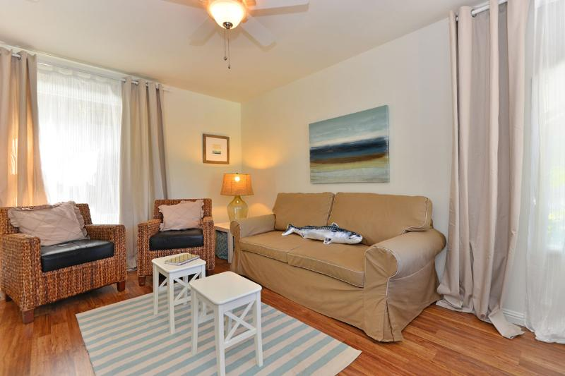 Cozy living room - Beachside Beauty - La Jolla - rentals