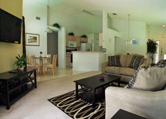 Delightful 4 Bedroom 2 Bath Villa in a Gated Community. 410LD - Image 1 - Orlando - rentals