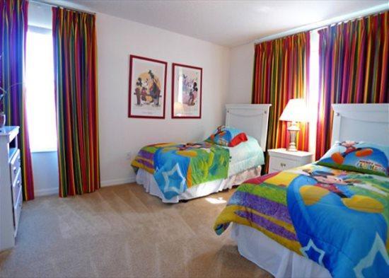 Elegant 5 Bedroom 4.5 Bath Pool Home in a Gated Community. 225MC - Image 1 - Orlando - rentals