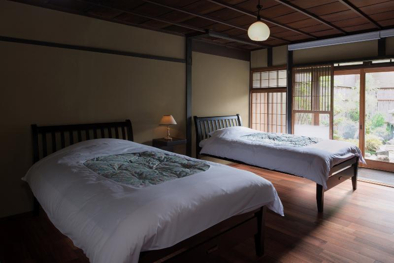 Twin bedroom - Shimoza-an -Traditional Machiya in the Heart of K - Kyoto - rentals