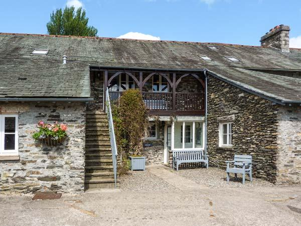 HAZEL SEAT, woodburner, WiFi, shared grounds with indoor pool, pet-friendly cottage in Graythwaite, Ref. 914062 - Image 1 - Hawkshead - rentals