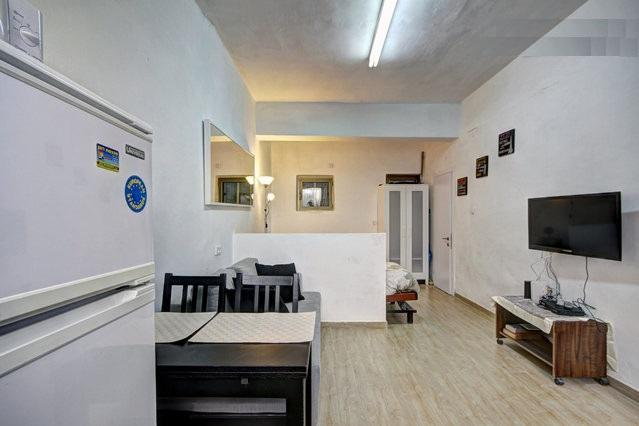 Centrally Located, Full Of Light Studio Apartment - Image 1 - Jerusalem - rentals