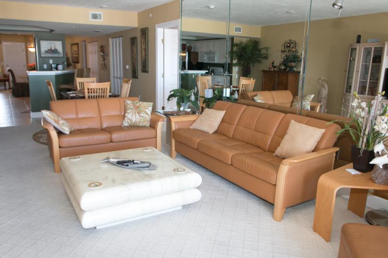 Living - $eptember $pecials-Towers Grande #601- Ocean View - Daytona Beach - rentals