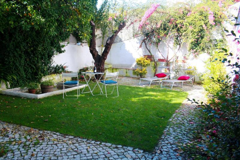 Big terrace Alfama Historic 2bedrooms&fireplace - Image 1 - Lisbon - rentals