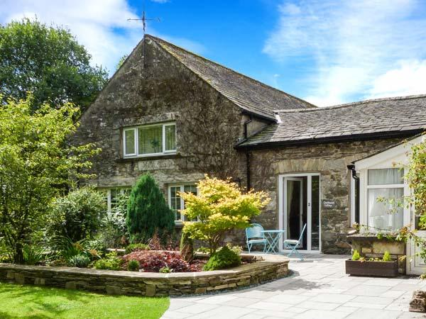COACHMAN'S COTTAGE, character cottage near village, WiFi, patio, peaceful setting, Cartmel Ref 906801 - Image 1 - Cartmel - rentals