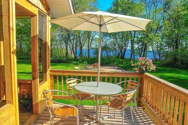 Deck - Beautiful Lakefront Cedar House in Victoria Beach, MB facing Elk Island - Belair - rentals