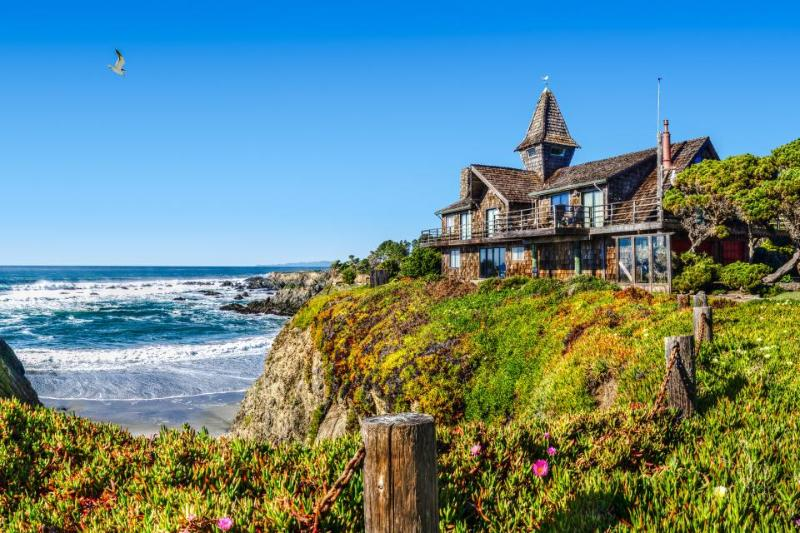 Oceanfront home w/private hot tub, views from deck, up to 4 dogs welcome! - Image 1 - Fort Bragg - rentals