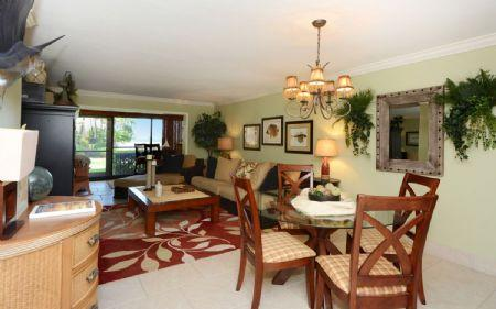 Living & Dining Area - Chinaberry 413 - Siesta Key - rentals