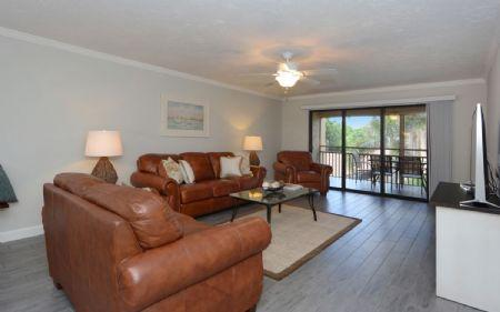 Living Area - Buttonwood 422 - Siesta Key - rentals