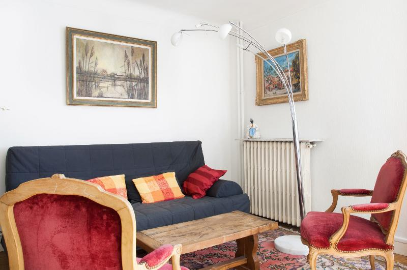 Living room - Traditional+functional 1BR near Gare de Lyon P12 - Paris - rentals