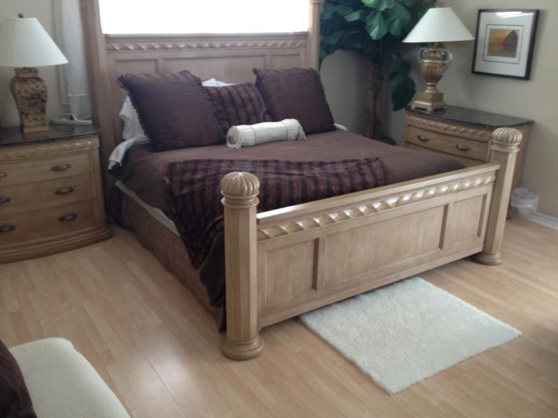 Elegant 4 Bedroom 3 bath Executive Home - HEATED POOL near Siesta Key Beaches!!! - Image 1 - Sarasota - rentals