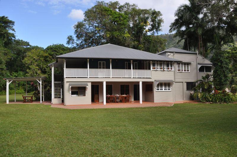 Zanzoo Retreat, Redlynch Valley - Zanzoo Retreat, 13 Acre Estate, pool, tennis court - Cairns - rentals
