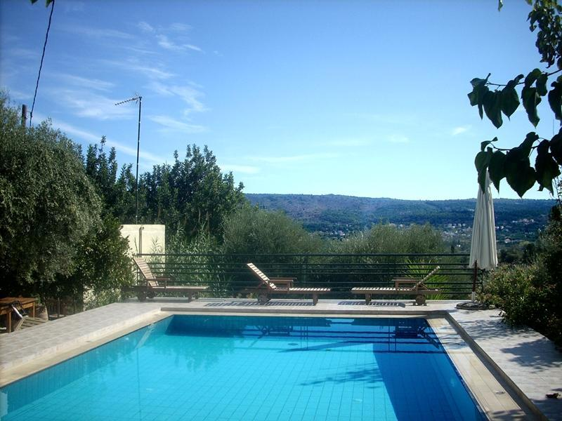 pool to share - Dream house -nice village -large pool to share - Douliana - rentals
