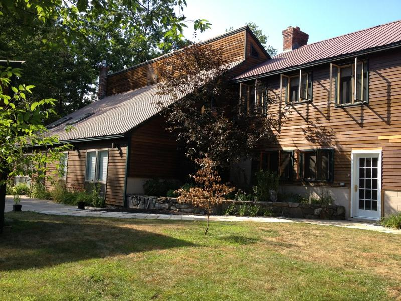 4,000 Sq Foot Custom Cedar Contemporary - Large Custom Cedar Home, Ideal for Family Vacation - Madison - rentals