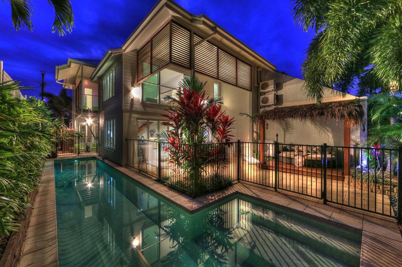Deja Vu Palm Cove Private 3 K Bedroom Heated Pool - Image 1 - Palm Cove - rentals
