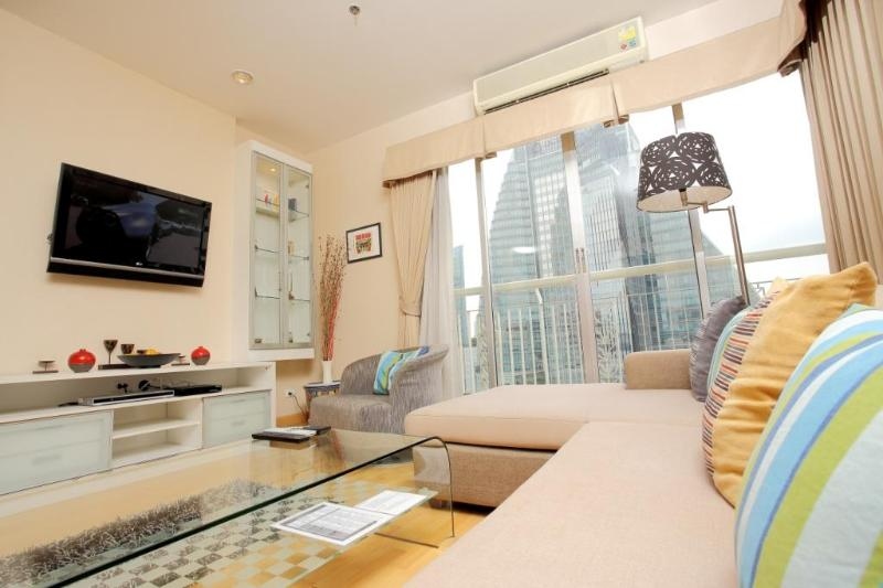 Bangkok 3 Bedroom Apartment on Sukhumvit Soi 18 - Image 1 - Bangkok - rentals