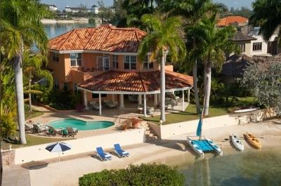 Beautiful Beachfront Villa with Private Pool - Image 1 - Montego Bay - rentals