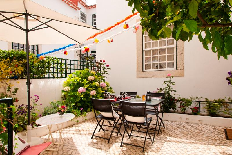 Chanceler Deluxe Apartment by RE - Image 1 - Lisbon - rentals