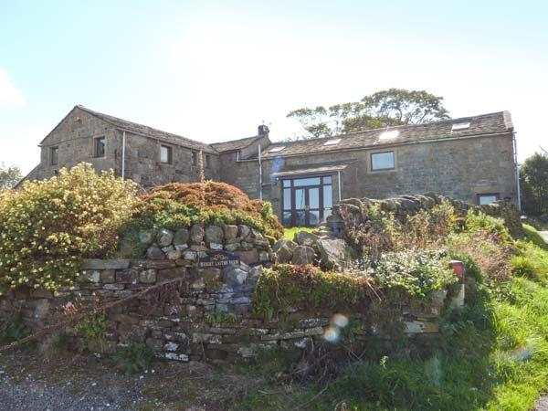 HEIGHT LAITHE BARN, pet-friendly cottage with country views, walking from the door, close Haworth, Colne Ref 23698 - Image 1 - Colne - rentals