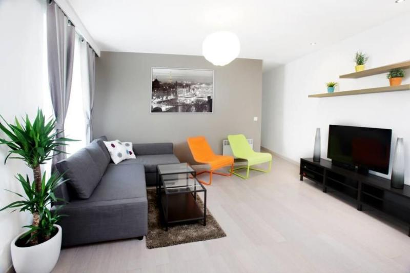 Living room - 2 Bedroom Apartment in Marais, the Heart of Paris - Paris - rentals