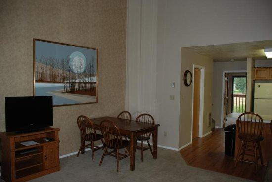 Large Wolf Lodge Condo with Vaulted Ceilings and views of Wolf Mountain - Image 1 - Eden - rentals