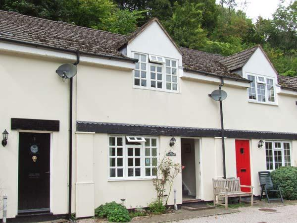 WYE VALLEY COTTAGE, lovely riverside location, pets welcome, off road parking, in Symonds Yat, Ref 27850 - Image 1 - Symonds Yat - rentals