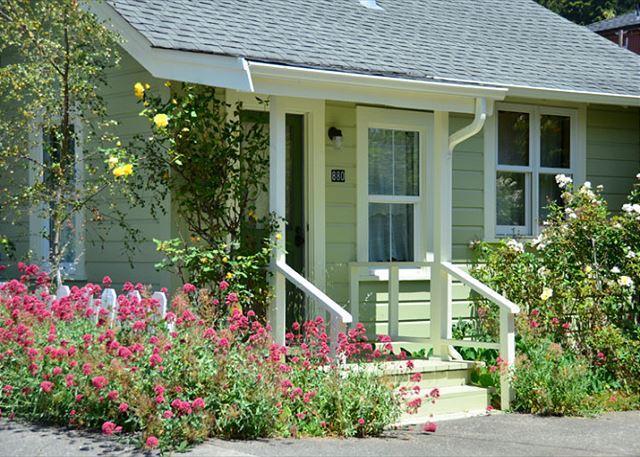 Arcata's Relaxing Lemon Tree Cottage & Cabin - Walk to HSU & Beautiful - Image 1 - Arcata - rentals